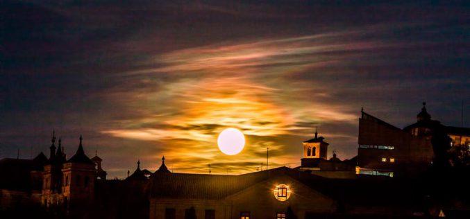 Luna mágica sobre Toledo