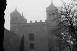 Niebla sobre la Puerta del Cambron.